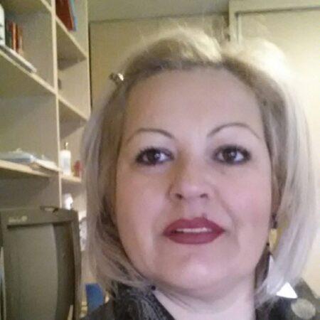 Maryam, 49 cherche un plan cul regulier